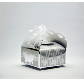 Dovanų dėžutė su kaspinėliu, balta