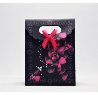 Popierinis gėlėtas dovanų maišelis, juodas