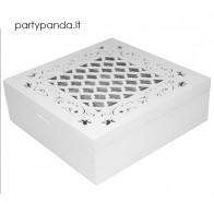 Ažūrinė medinė balta dėžutė
