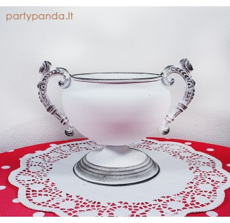 Balta metalinė vaza